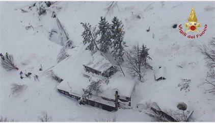 Ya son 24 los desaparecidos tras la avalancha del hotel de Rigopiano