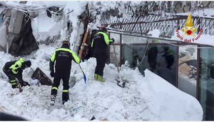 Recuperado un sexto cadáver tras la avalancha de Rigopiano, Italia