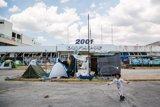 La oposición en el Senado apoya una iniciativa para ayudar a los refugiados a combatir el frío en los Balcanes