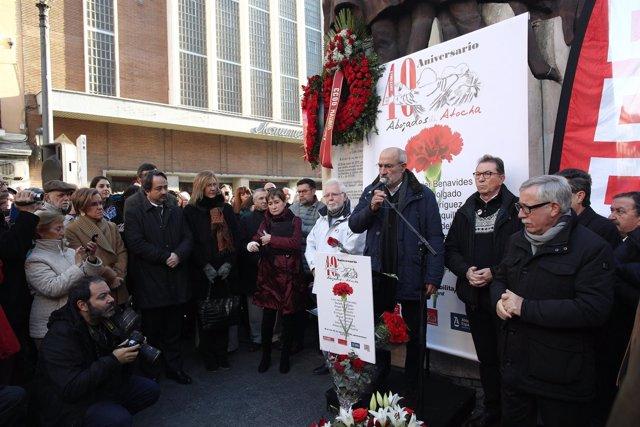 Homenaje a los abogados de Atocha en el monumento El Abrazo en Madrid