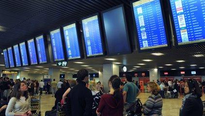Rajoy anuncia una rebaja del 11% en las tasas aeroportuarias hasta 2021