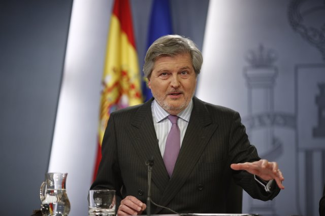 Rueda de prensa de Íñigo Méndez de Vigo tras el Consejo de Ministros