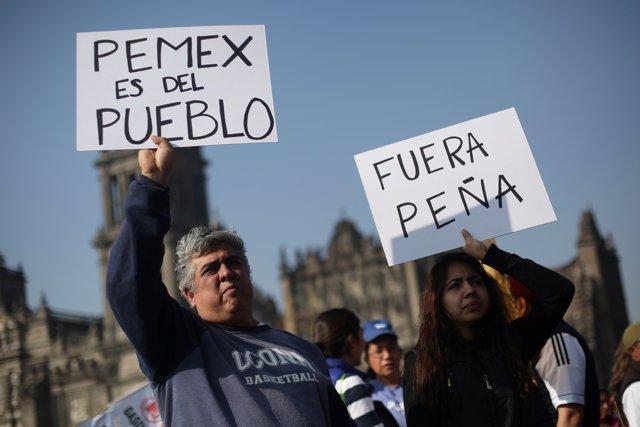 Manifestantes contra el 'gasolinazo' en México