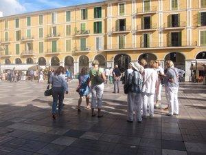España sella 2016 con el récord de 75,6 millones de turistas extranjeros, 10,3% más
