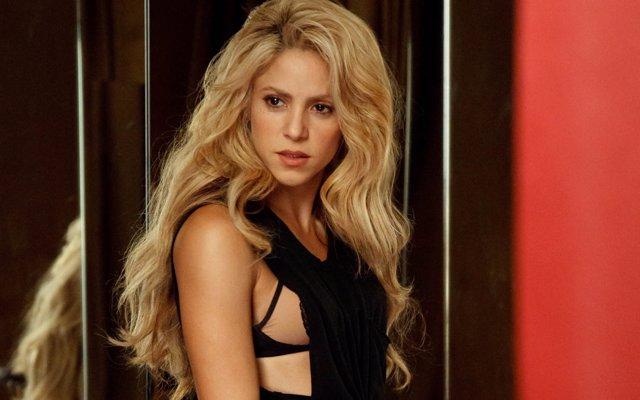 Shakira en el videoclip de Chantaje con Maluma