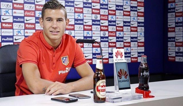 Lucas Hernández en rueda de prensa