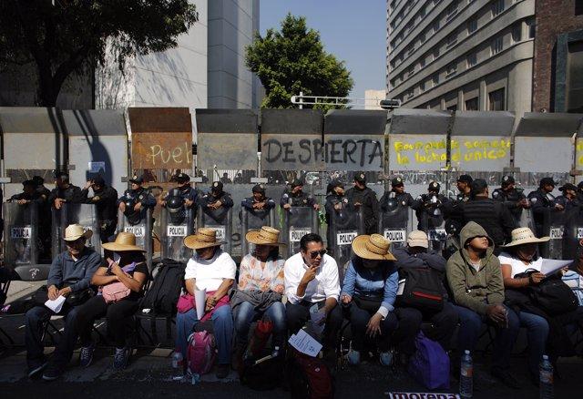 MEXICO SOCIEDAD