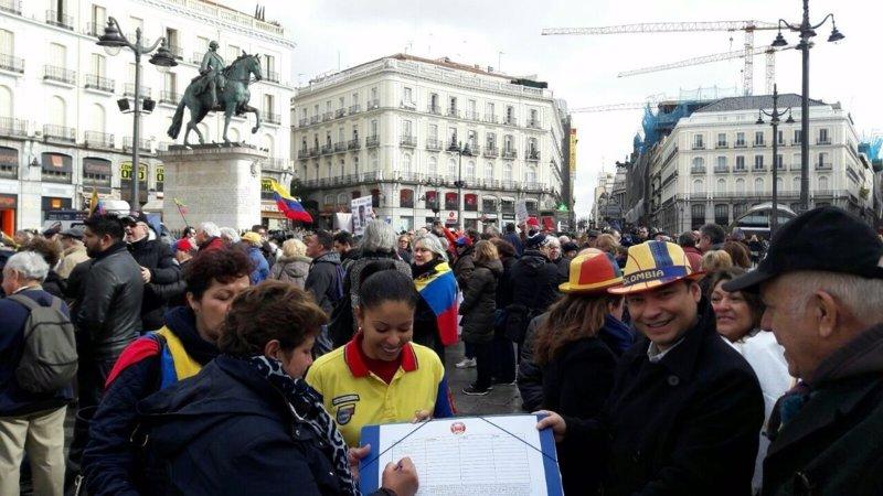 Colombianos residentes en el extranjero protestan por el Divorcio de colombianos en el exterior