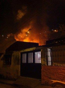 Tres menores de edad fallecieron anoche en un incendio que se produjo en el barr