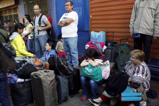 Venezolanos intentando entrar a Venezuela