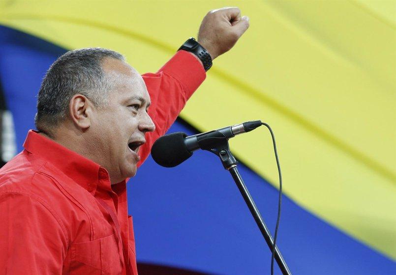 Cabello afirma que los críticos con la suspensión de CNN aplaudieron la salida de Telesur de Argentina