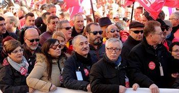 """Los sindicatos vuelven a la calle este domingo para reclamar """"empleo y..."""