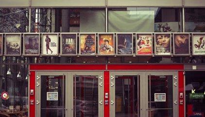 Las mejores aplicaciones móviles para los amantes del cine: películas favoritas, estrenos, tráilers