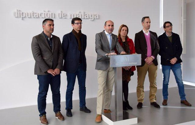 El portavoz del PSOE Francisco Conejo en rueda de prensa.