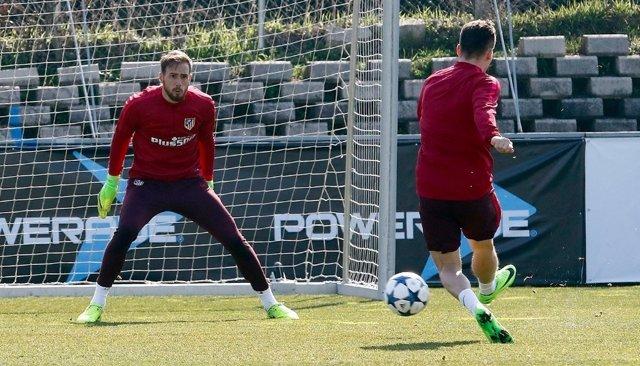 Jan Oblak entrenamiento Atlético