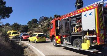 Dos motos arden en un accidente múltiple con heridos, uno de ellos grave,...