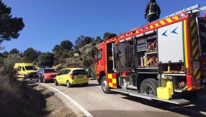 Dos motos arden en un accidente múltiple con heridos, uno de ellos grave, en Robledo de Chavela