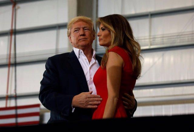 El presidente Donald Trump junto a Melania en Florida