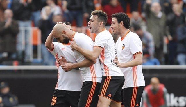 Orellana y Zaza resucitan al Valencia