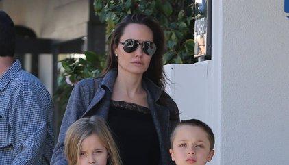 """Angelina Jolie: """"Pasaremos por este difícil momento y espero que seamos una familia más fuerte"""""""
