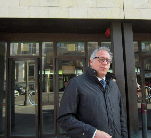 Martínez Bermejo, a la salida de los juzgados tras declarar como testigo.