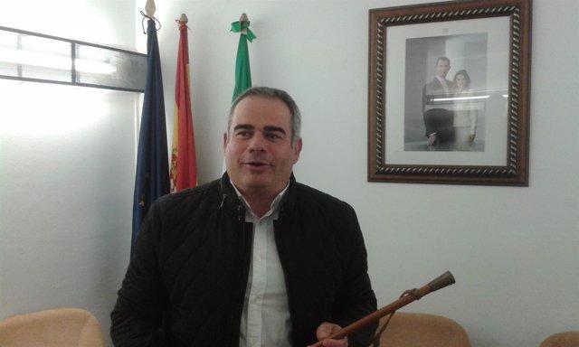 Alejandro Herrero alcalde Frigiliana tras prosperar moción de censura 2017 PSOE