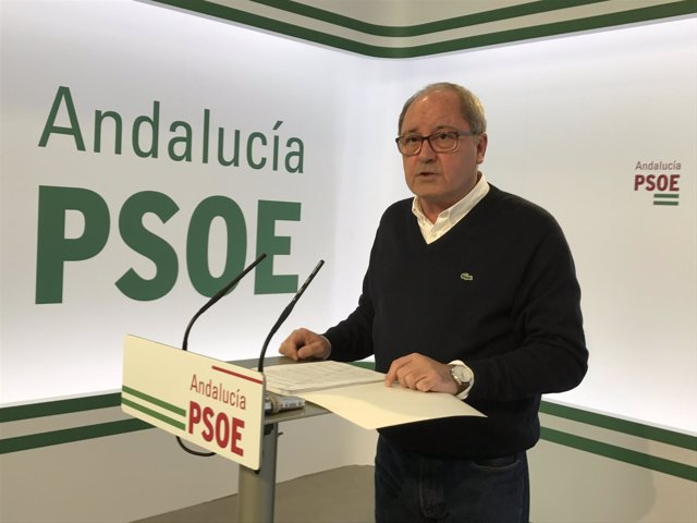 Rueda de prensa del 'número dos' del PSOE-A, Juan Cornejo