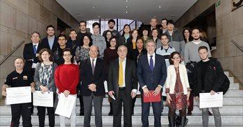 """El programa 'Construye tu futuro' abrirá """"muchas posibilidades"""" a jóvenes..."""