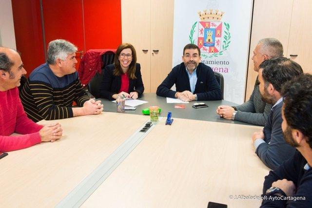 El alcalde y la vicealcaldesa se reúnen con el comité de empresa de Navantia