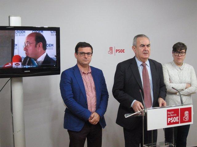 Emilio Ivars., Rafael González Tovar y Presen López, en la rueda de prensa