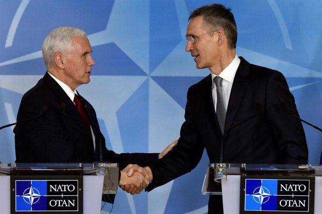 Mike Pence y Jens Stoltenberg