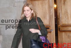 Primeras imágenes de la Infanta Cristina, que continua con...