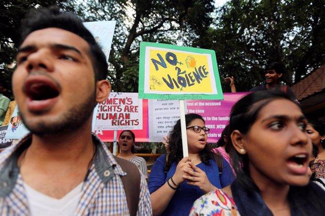 Protesta contra violaciones en India
