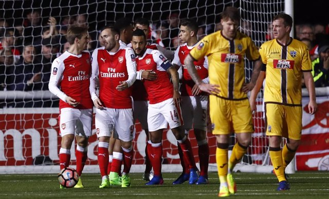 Lucas Pérez Nacho Monreal Theo Walcott Sutton Arsenal FA Cup