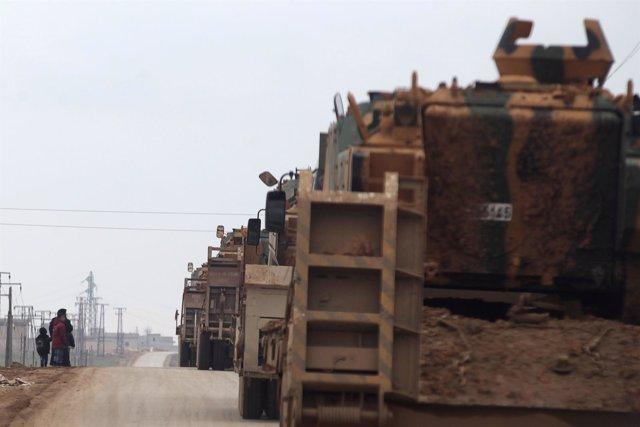 Tropas turcas se movilizan hacia Al Bab (Siria)