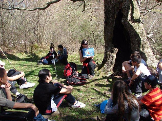 Escolares en el programa de educación ambiental de Naturea