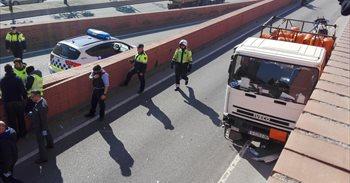 """La policía no ve """"indicios razonables"""" de atentado en el robo del camión..."""