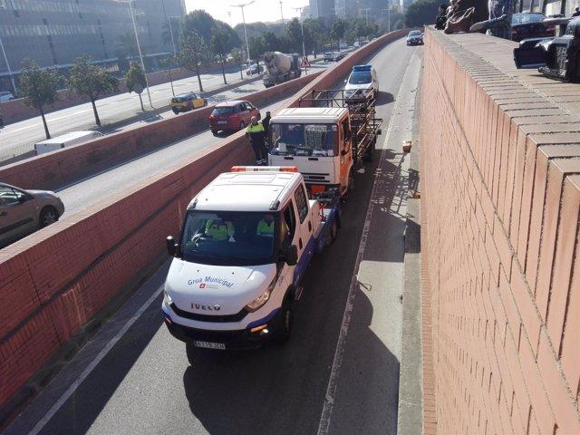 Retiran de la Ronda Litoral el camión de butano robado