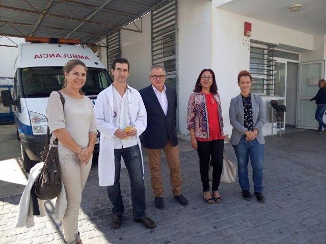 El delegado de Salud en Huelva, Rafael López, en Punta Umbría.