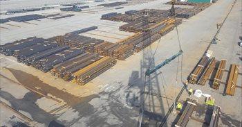 Los estibadores convocan tres semanas de paros en los puertos partir del...