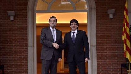 Rajoy y Puigdemont se vieron en Moncloa el pasado 11 de enero, según 'La Vanguardia'