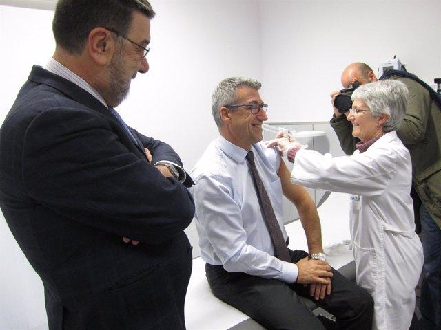 Luis Verde se vacuna contra la gripe