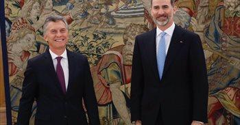 La reina Letizia interrumpe a Macri para corregirle en mitad de su discurso