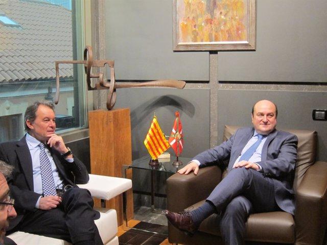 Reunión Andoni Ortuzar Y Artur Mas