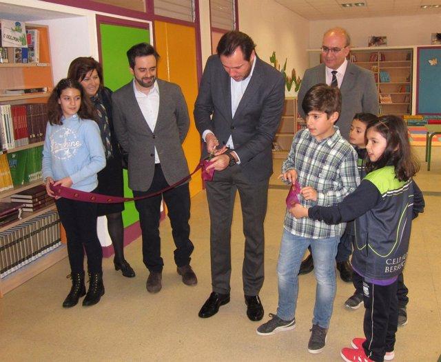 El alcalde de Valladolid inaugura la nueva Biblioteca del Alonso Berruguete