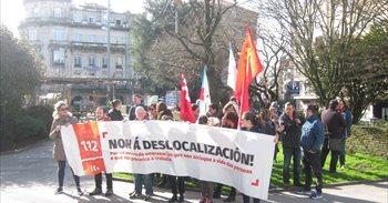 """Trabajadores del 112 se concentran contra la """"temeridad"""" de su traslado..."""