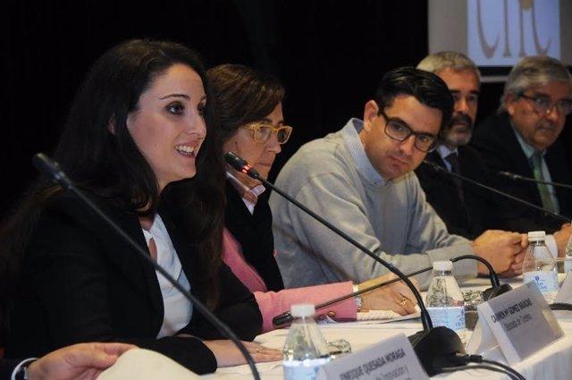 Aguilar, entre Gómez y García, en la inauguración del congreso