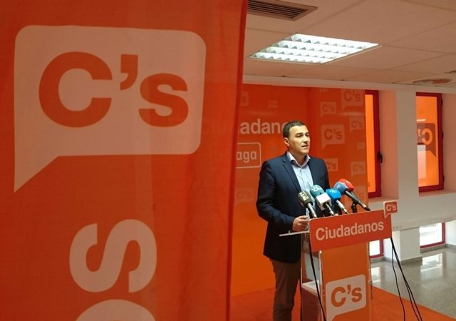 Parlamentario andaluz Carlos Hernández White Málaga rueda Ciudadanos naranja