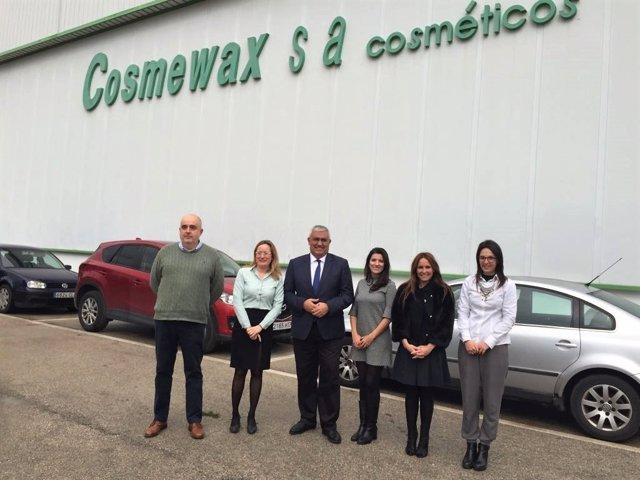 El consejero de Economía, Antonio Ramírez dde Arellano, visita Cosmewax