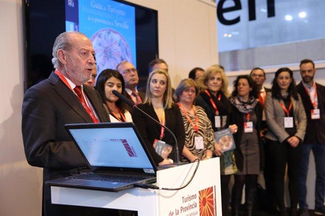 El presidente de la Diputación de Sevilla en Fitur